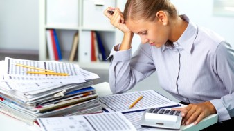 Accountant-working-hard-over-inventory-analysis